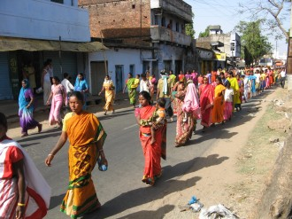 women-and-children-in-the-huge-march-in-purulia343